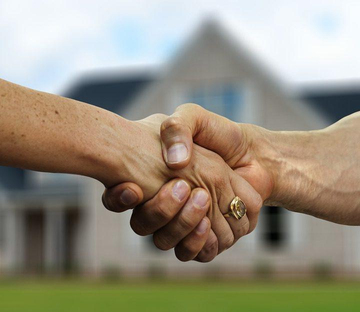 Potrebujete pomoc pri písaní zmluvy na bydlenie? Stiahnite si jej vzor
