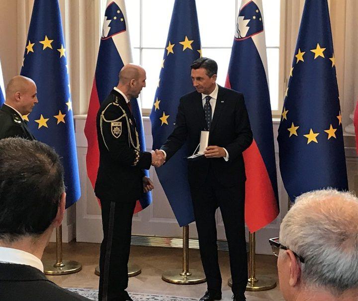Slovinský prezident vyznamenal slovenskú políciu za prínos pri zvládaní migračnej krízy