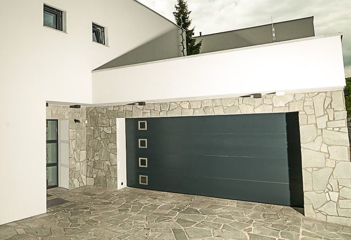 Vyberte si tú najvhodnejšiu garážovú bránu