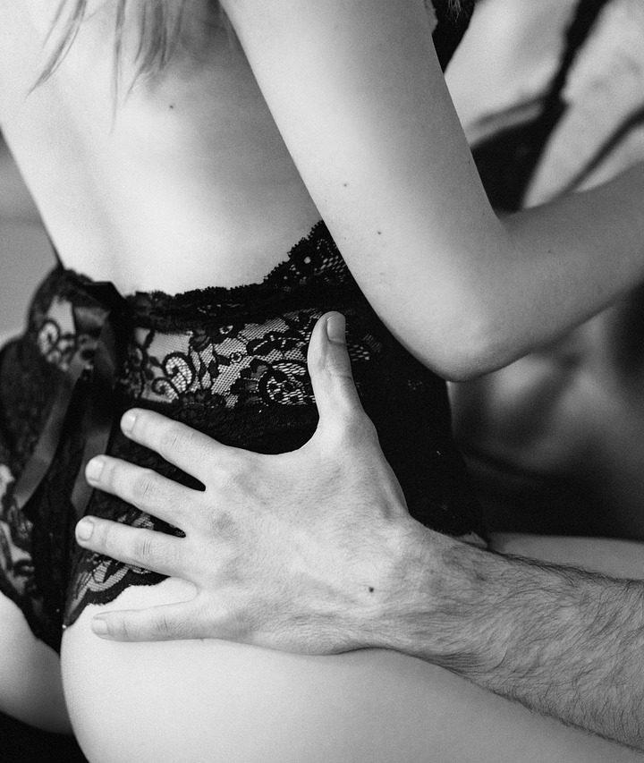 Hanblivý muž musí navštevovať sex priváty