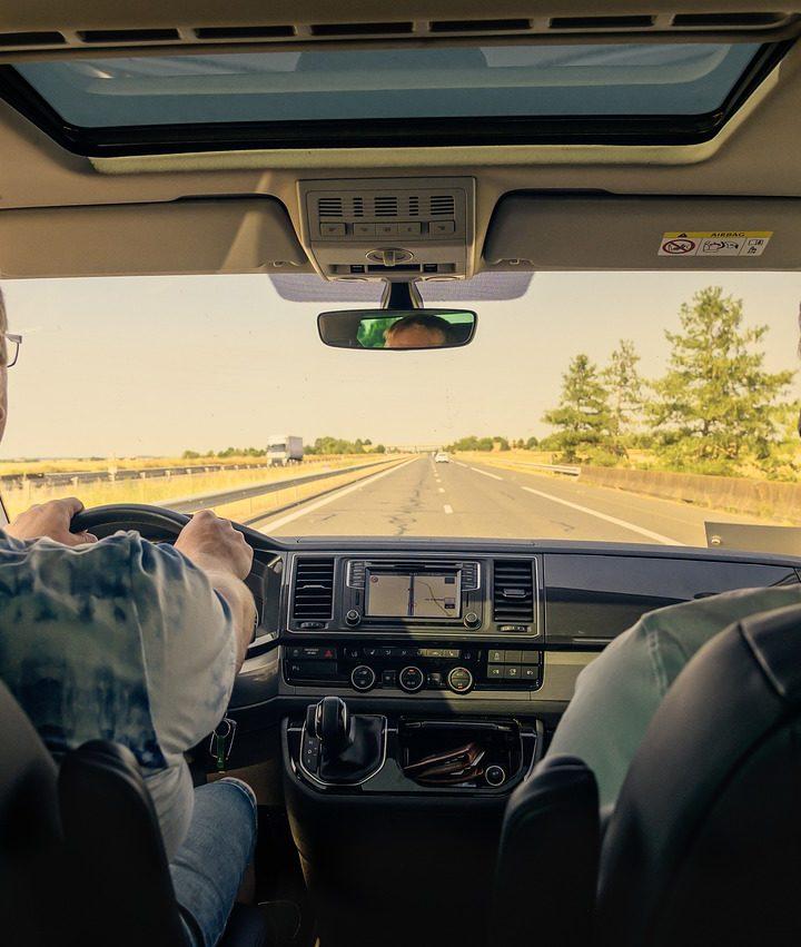 Strach zo šoférovania osobného automobilu sa dá prekonať napríklad takto